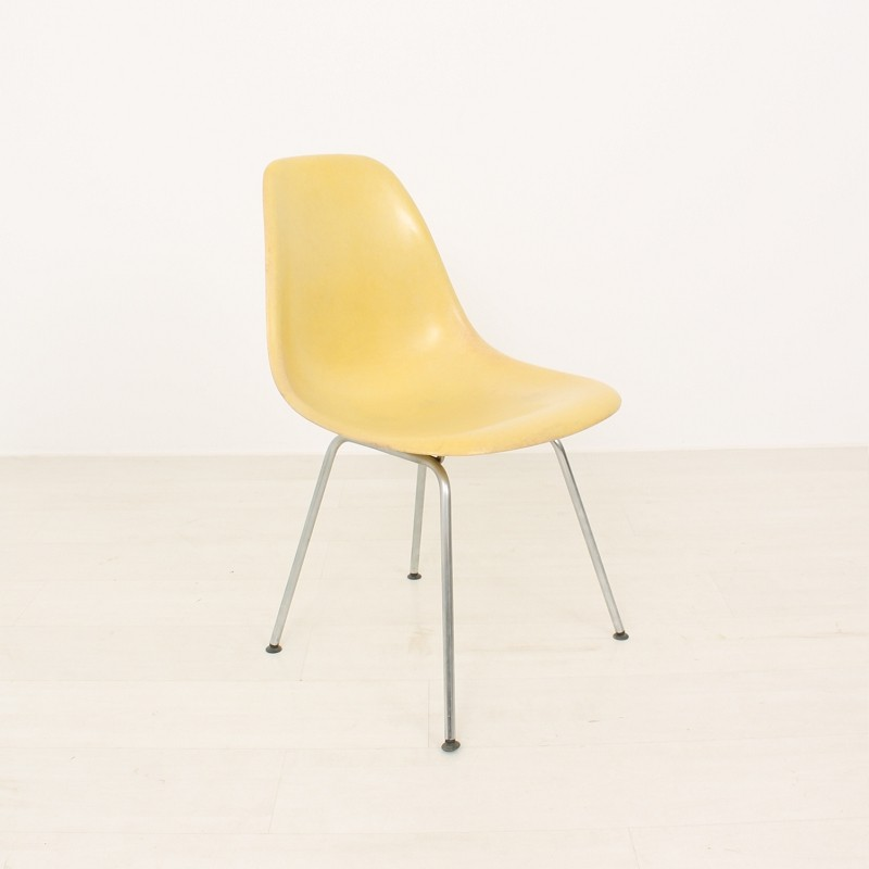 Eams stuhl perfect alu chair charles eames glanzchrom for Design stuhl replik