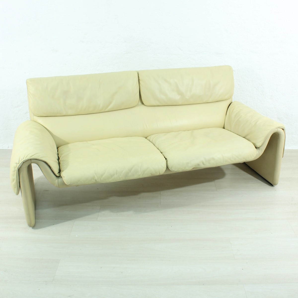 - Swiss Leather Couch For De Sede